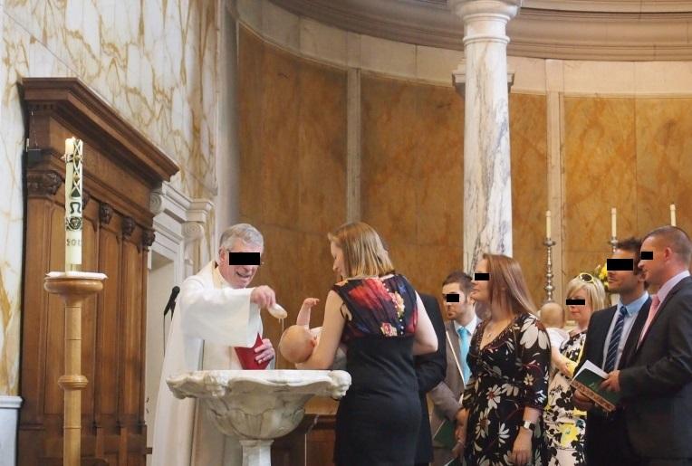 イギリス王室(王子・王女)の洗礼と洗礼式の意味とは